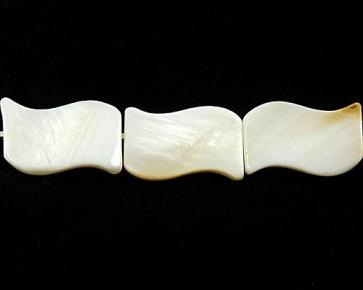 Perlmutt Perlen, flach gewellt, creme-weiss, 20x12mm, 1 Perlenstrang