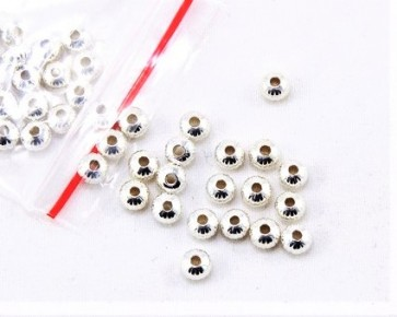 Metallperlen, Spacer Perlen, 4.5x3mm, versilberte Rondellen gerillt, 50 Perlen