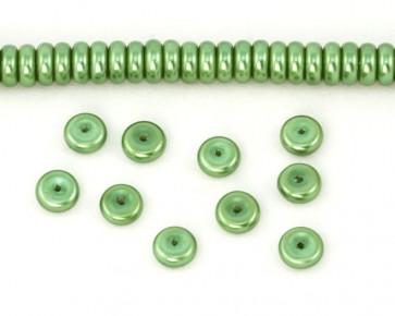 Glaswachsperlen, 8 x 3 mm, Rondelle, Button, grün, 50 Stk.