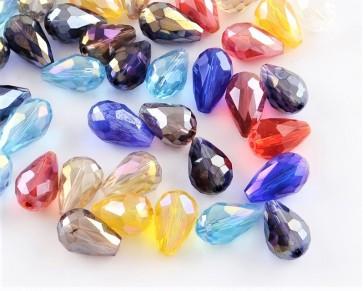 Glasschliffperlen, Glasperlen Tropfenform facettiert, 12x8mm, irisierender Farbmix AB, 20 Perlen