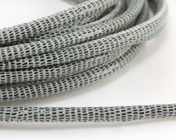 Geprägtes Lederband, Lederkordel genäht, 6 x 4.5mm, grau mit Reptilienmuster, 10 cm