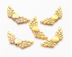 Metallperlen Engelsflügel mit Herz, antik gold, 22x9mm, 20 Flügelperlen
