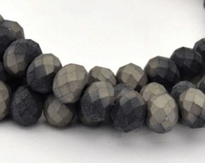 Glasschliffperlen, Rondellen facettiert, 4mm, grau-schwarz seidenmatt, 1 Strang